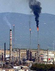 Flaring at the Spanish Refinery
